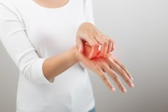 白斑在手指上能治好吗?